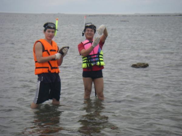 澎湖鳥嶼的第一天-下午行程-踏浪與浮潛16