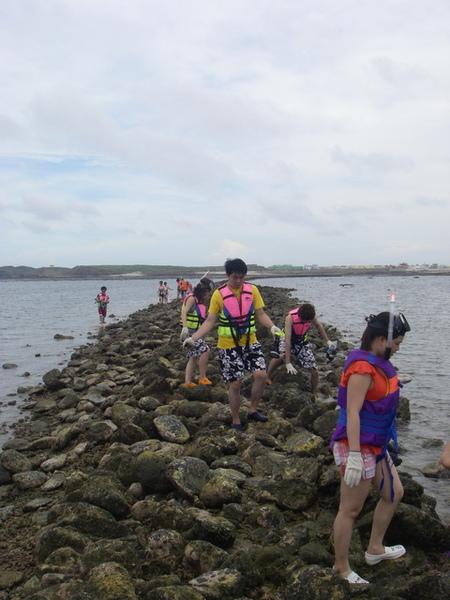 澎湖鳥嶼的第一天-下午行程-踏浪與浮潛17
