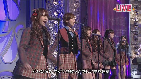 AKB48_-_GIVE_ME_FIVE!_(Tonneruzu_ga_Nama_Housou!_Ongaku_Bangumi_Zenbu_Misemasu!!_-_Neikyoku_de_Genki_ni_Narou_-_-_2012.03.21)[11-13-36]