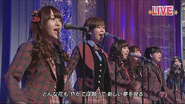 AKB48_-_GIVE_ME_FIVE!_(Tonneruzu_ga_Nama_Housou!_Ongaku_Bangumi_Zenbu_Misemasu!!_-_Neikyoku_de_Genki_ni_Narou_-_-_2012.03.21)[11-13-46]