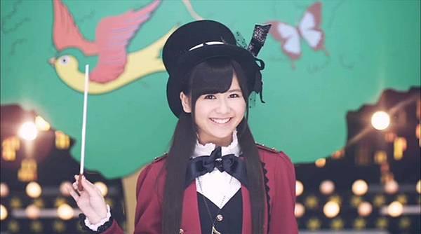 [高清正式PV]AKB48 29th - チームB推し.mkv_20121201_210938.046