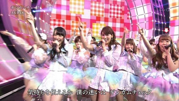 [lwtnbmy] AKB48×SKE48×NMB48 - UZA + ギンガムチェック + 真夏のSounds Good + Talk (紅白歌合戦 2012.12.31).ts_20121231_220739.123