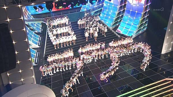 [lwtnbmy] AKB48×SKE48×NMB48 - UZA + ギンガムチェック + 真夏のSounds Good + Talk (紅白歌合戦 2012.12.31).ts_20121231_221026.794