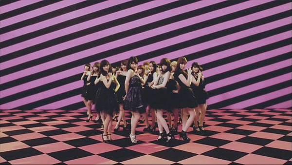 【东京不够热】ロマンス拳銃 Music Video.mp4_20130519_005309.683