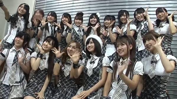 【Tomo J 字幕组】AKB48 2013真夏のドームツアーDisc10 卒业生 板野友美八年的轨迹.mkv_20131222_154035.176