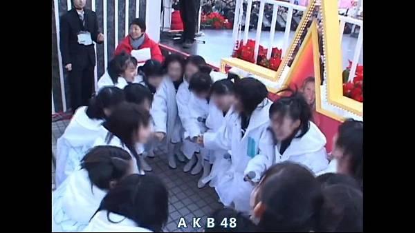 【Tomo J 字幕组】AKB48 2013真夏のドームツアーDisc10 卒业生 板野友美八年的轨迹.mkv_20131222_154512.406