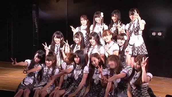 【Tomo J 字幕组】AKB48 2013真夏のドームツアーDisc10 卒业生 板野友美八年的轨迹.mkv_20131222_154436.026