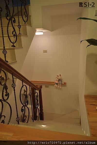 樓梯轉角.JPG