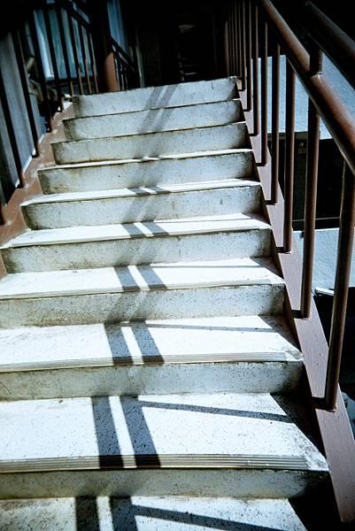 銘傳樓梯無限多