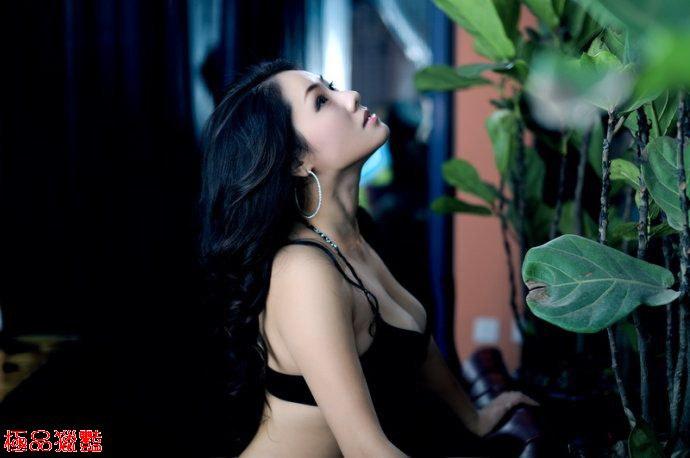 身材超火辣熟女性感魅惑_甜美情色貼圖