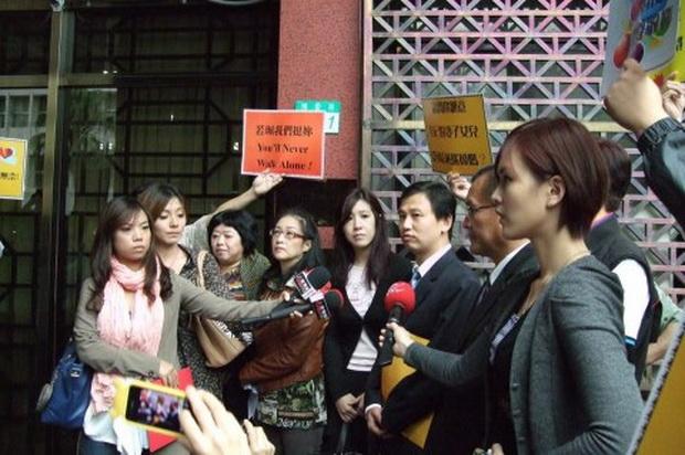 翁若佩控告許博允性騷擾-2012.10.11-01