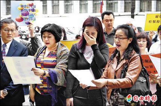 女聲樂家翁若珮按鈴 淚控許博允性騷擾-2012.10.12-02