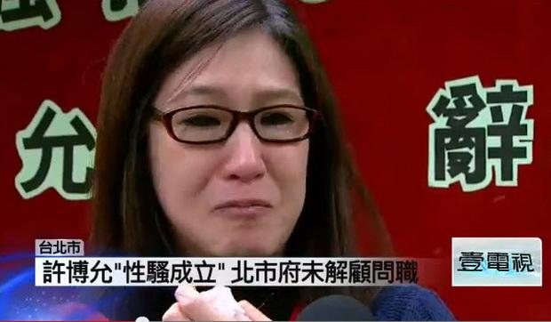 許博允性騷案成立未解職 女聲樂家淚崩-2013.01.04-02
