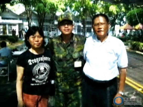 洪仲丘冤死鬧大了 軍方竟怨「有人不停放話」-2013.07.11-02.jpg