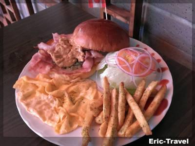 2-屏東-城香角落香草早午餐-花生醬起司培根堡