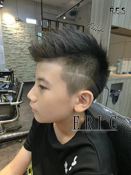 13995576_男生髮型髮色參考2016,2017,RES髮型設計ERIC三重剪髮染髮髮型_1731687897827974469_o.jpg