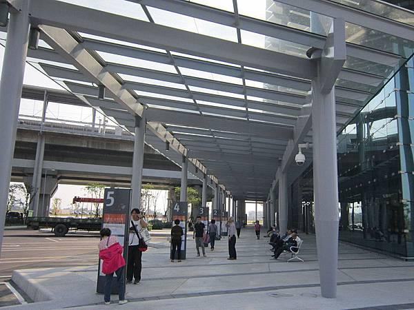 彰化高鐵站公車轉運站.JPG