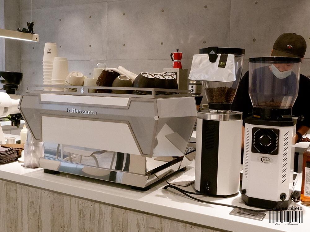 B.COFFEE-dax-18.jpg
