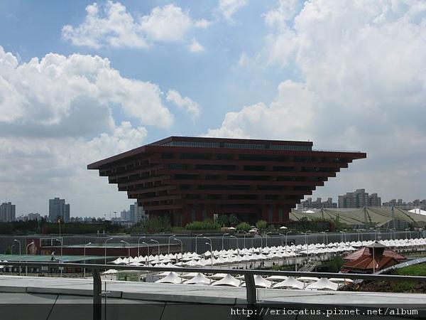 六層樓高的中國館