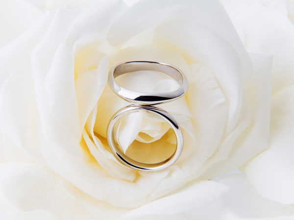 0HR141_350A_Wedding_ring.jpg