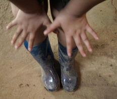 小葵穿雨鞋.jpg