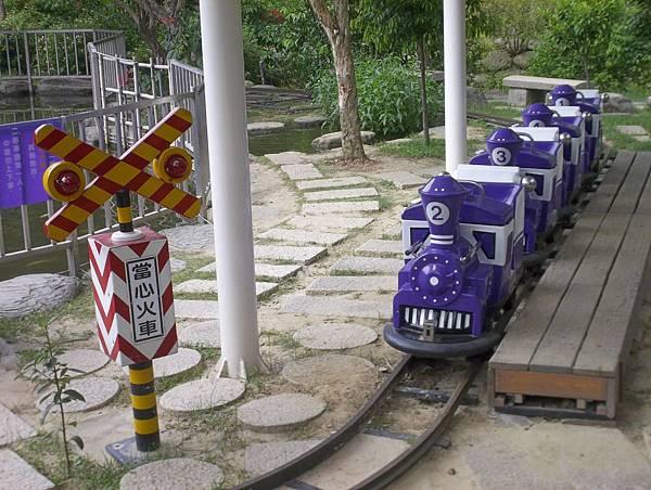 照門休閒農業區 九芎湖金谷農場 園中景觀 有小火車
