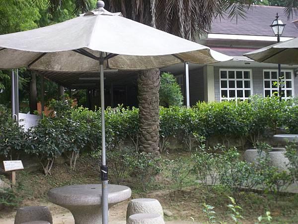 照門休閒農業區 九芎湖金谷農場 園中景觀 有休憩的亭子