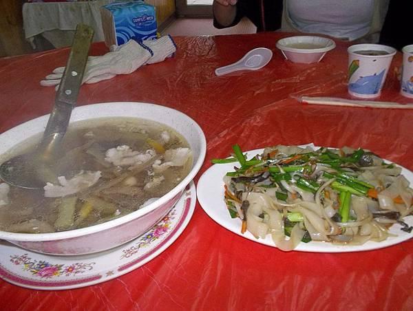 照門休閒農業區 九芎湖劉家莊燜雞 福菜湯 炒板條