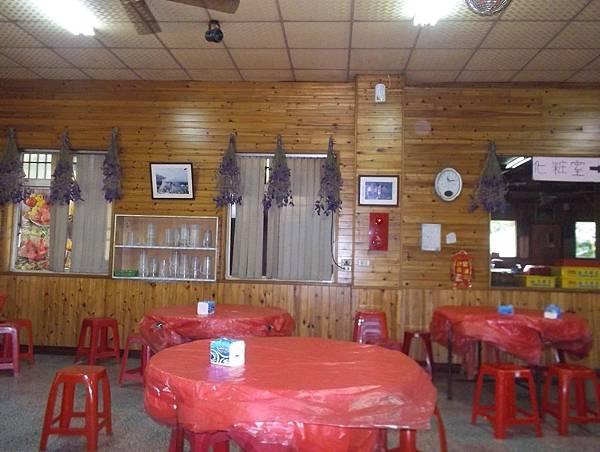 照門休閒農業區 九芎湖劉家莊燜雞 餐廳模樣