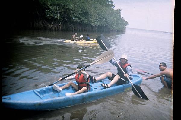 帛琉之旅 紅樹林划獨木舟