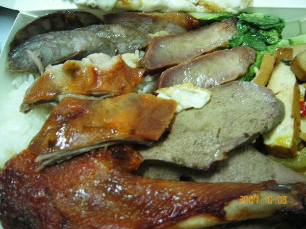 烤鴨腿、燒鴨、叉燒、臘腸、燻粉肝