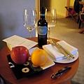 * 迎賓水果+紅酒 *
