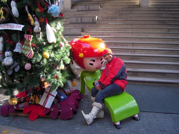 * 草莓妹和聖誕樹 *