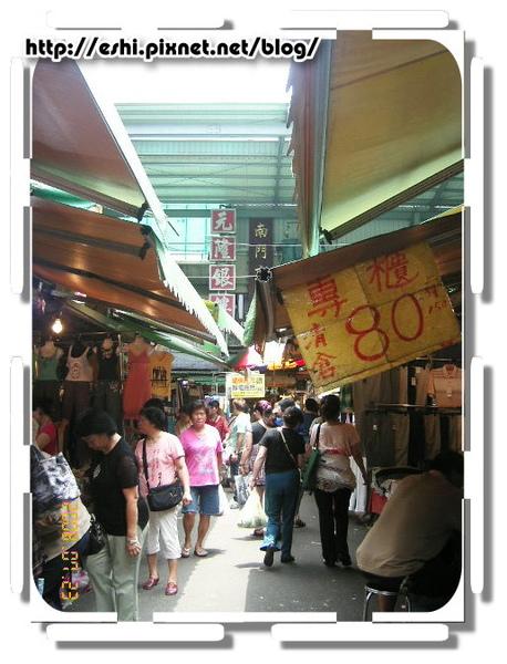 南門市場一向人很多