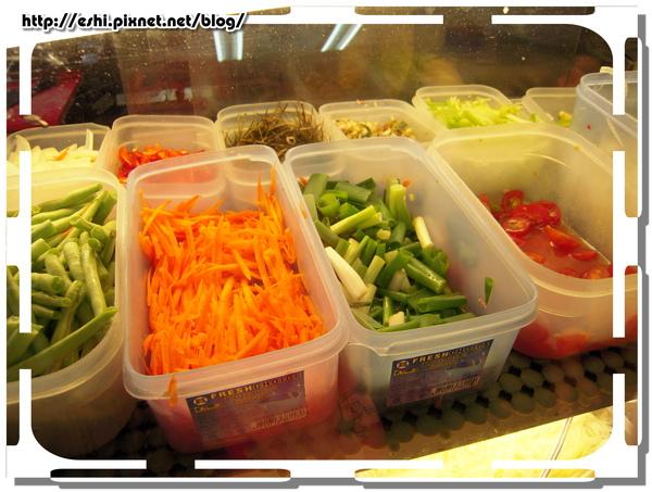 冰櫃裡的蔬菜看起來就很新鮮