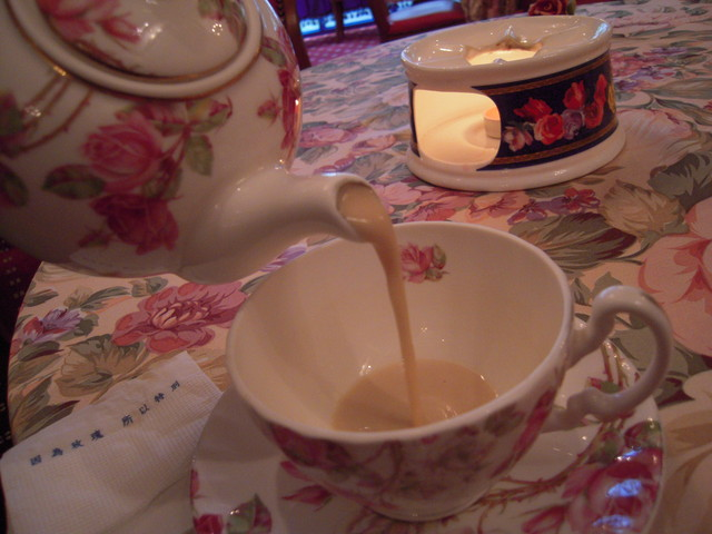 魂縈夢繫的羅亞奶茶
