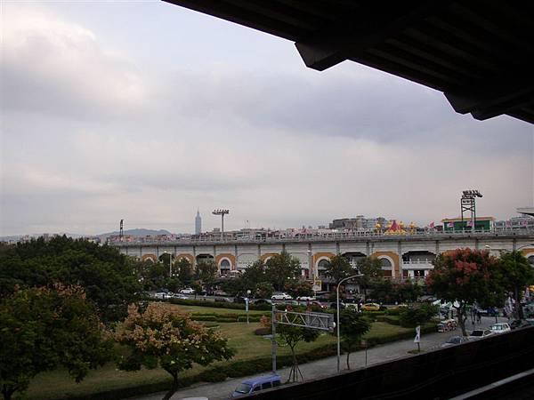 163.中山足球場