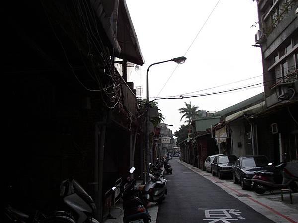121.有迪化街之名卻從未繁榮的新橋邊街...近大某街(伊寧街)