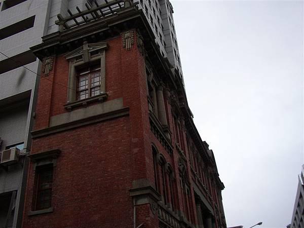 121.保留立面的舊鳳梨公司