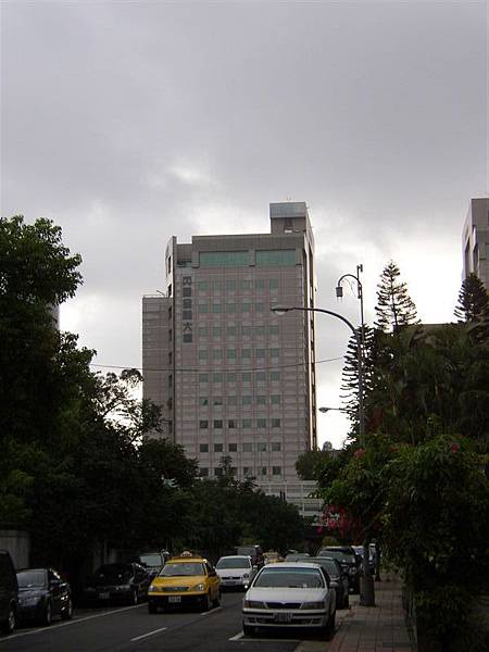 165.丙園大樓,西門子通訊部門和泰航所在地