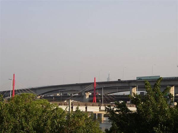 212.山仔腳看到的劍潭全景