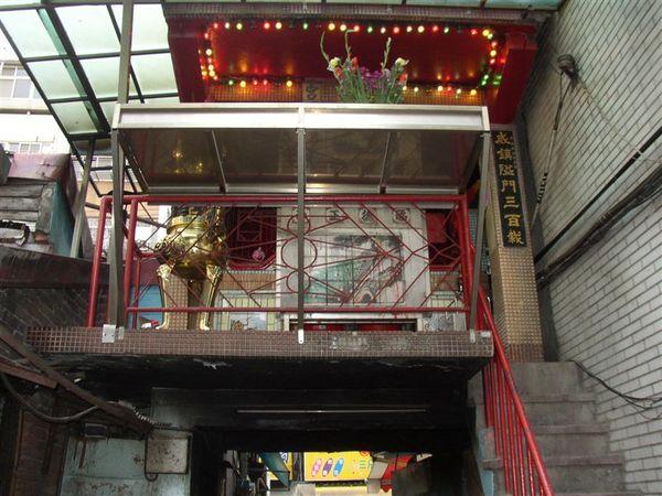 131.廣州街破敗的223巷留有古老的隘門