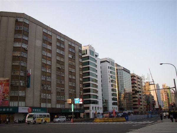 162.松江路北段