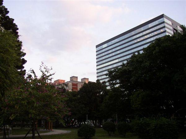 162.榮星花園看向民權東路