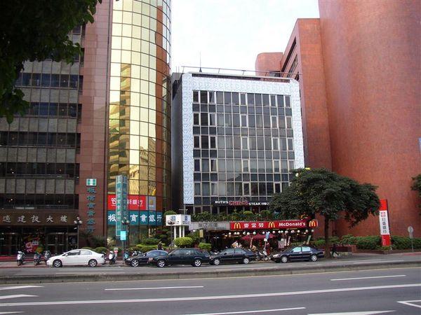 161.台灣第一家麥當勞樓上是茹斯葵牛排館