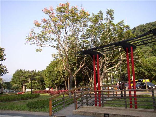 212.劍潭站附近的公共藝術
