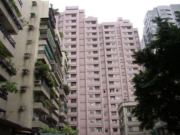 152.台大華廈社區