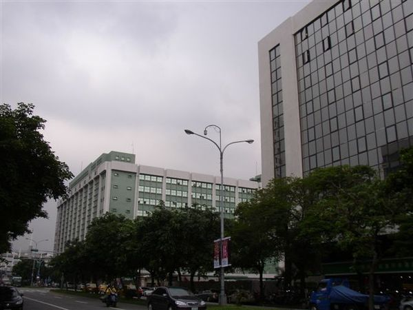 112.台灣郵政愛國東路大樓