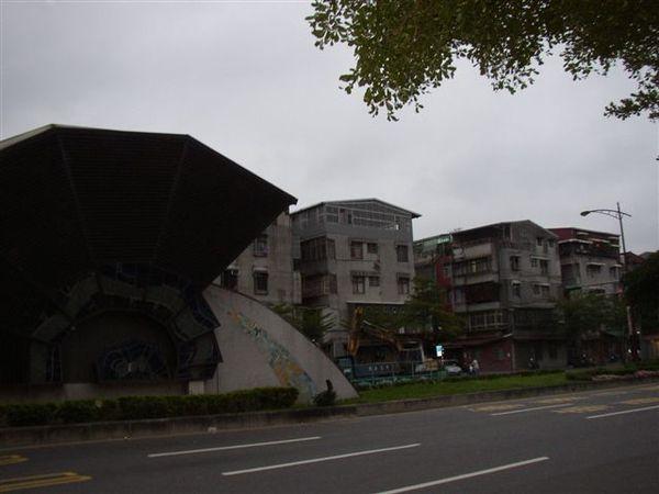 133.艋舺大道上突出的逃生口