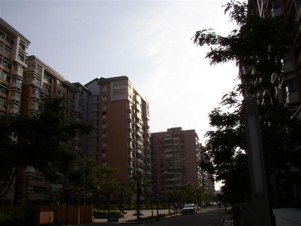353.健康路附近是台北市最龐大的眷村改建社區